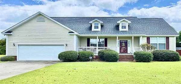 Photo Great 3 bedroom 2 Bath home in the West Pointe Subdivision. (3784 Trotwood Dr, Florence, SC 29501)