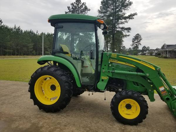 Photo John Deere 3320 cab tractor - $27,950 (Latta)