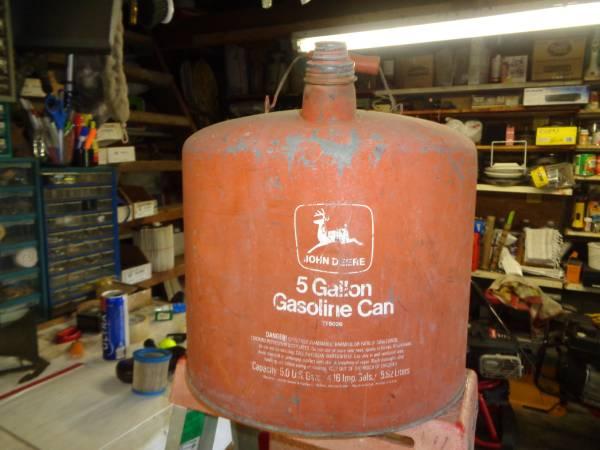 Photo John Deere 5 Gal Gas Tank Antique - $130 (Lake City)
