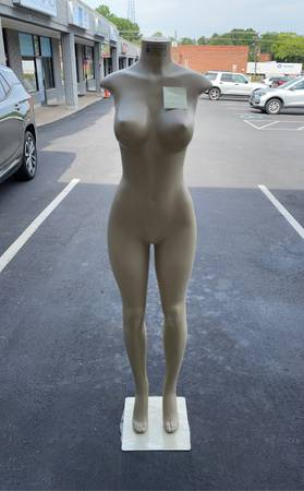 Photo Mannequin, new female Brazilian form - $75 (Matthews)