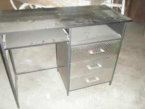 Photo Office Desk - Diamond Plate Aluminum (STATESVILLE,NC)