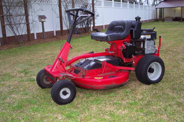 Photo Snapper Riding Mower - $325 (Kingstree)