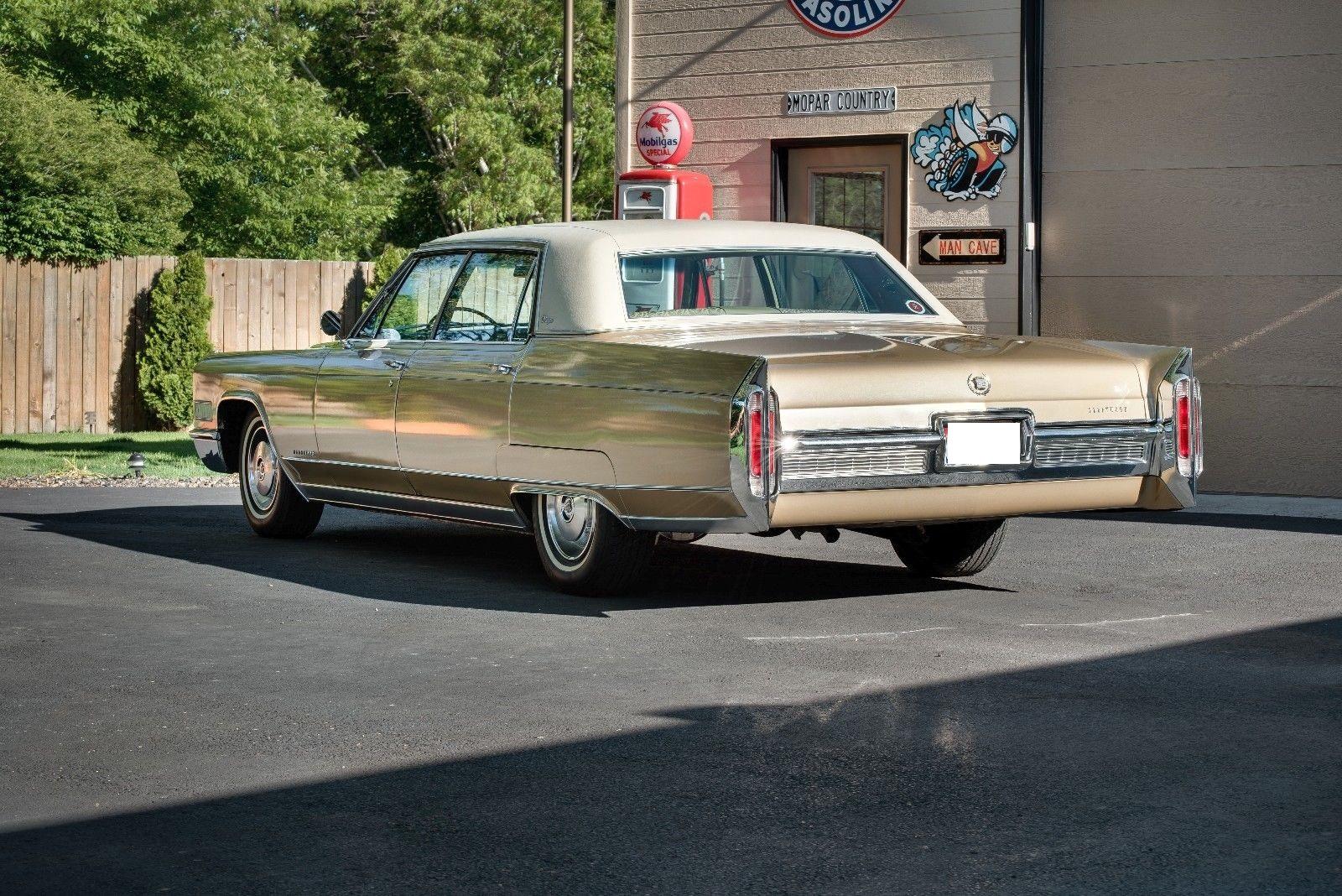 Photo 1966 Cadillac Fleetwood Brougham
