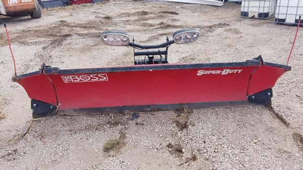 Photo 10.539 W Boss Snow plow - $2000