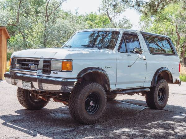 Photo 1987 Ford Bronco - $8,000 (Fort Collins)