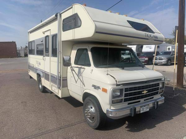 Photo 1996 Fleetwood Tioga, Shortie, sleeps 6, CHEVY, CLEAN - $12,995 (Castle Rock)