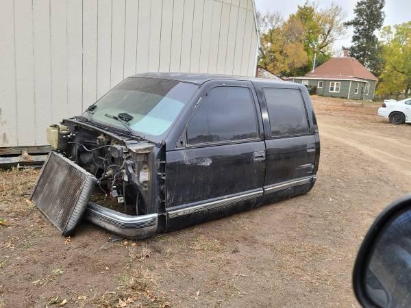 Photo 1999 Chevy 3500 cab - $700 (Berthoud)