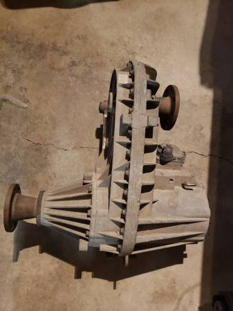 Photo 2004 Ford F250 Transfer Case 273F $400 Or Best Offer - $400 (Fort Collins)