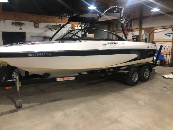 Photo 2005 malibu sunsscape 21 ft v drive surf boat - $26,000 (ft collins)