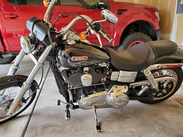 Photo 2006 Dyna Wideglide Harley Davidson - $10,000 (Greeley)