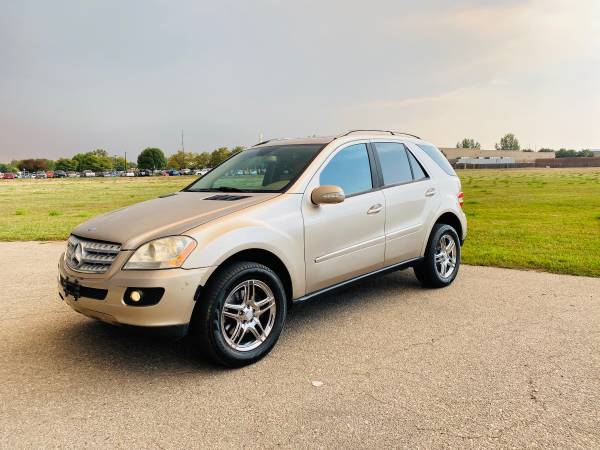 Photo 2007 Mercedes Benz ML 500 AWD fully loaded like new must see - $6,500
