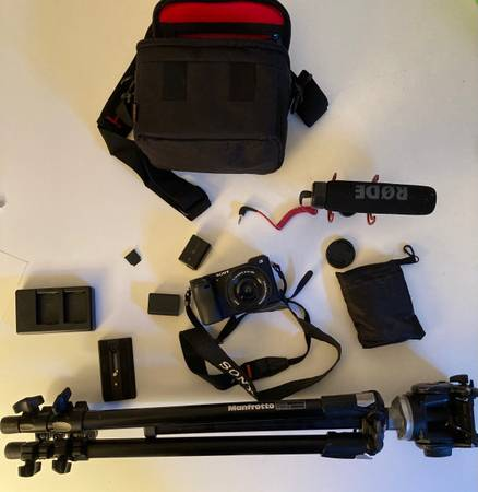 Photo Barely Used Sony a6300 w Kit Lens (16-50mm) and Accesories - $800 (Fort Collins)