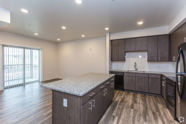 Photo Beautiful Apartment Community with Excellent Customer Service (Loveland)