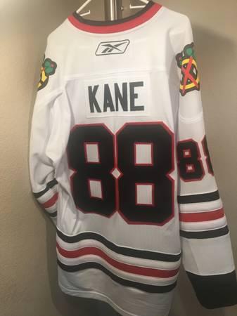 Photo Chicago Blackhawks Reebok jersey - Kane - $50 (SW Fort Collins)