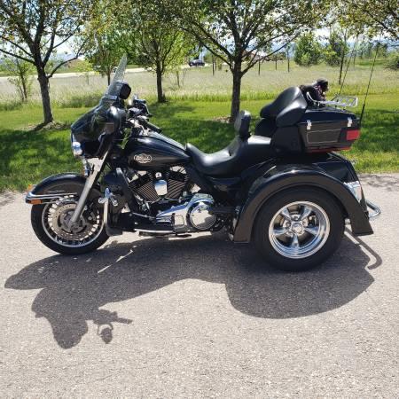 Photo Converted 2010 harley Harley Ultra Classic - $28,700 (Eaton)