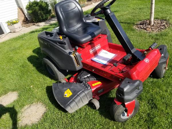 Photo Craftsmen ZS6700 23hp 50quot Zero Turn riding lawn mower (like new) - $2,300 (Fort collins)