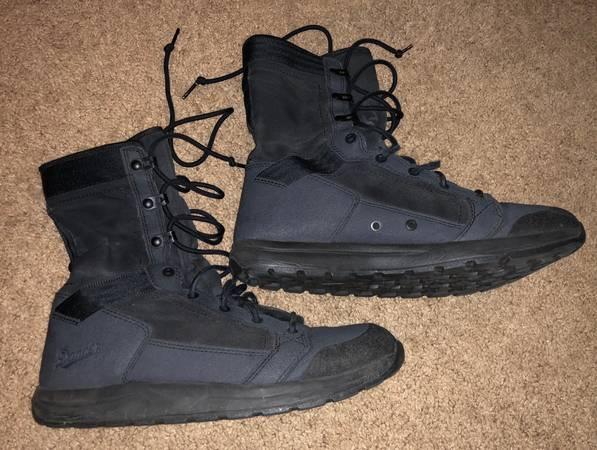 Photo Danner Tachyon size 9.5 boots - $50 (Fort Collins)