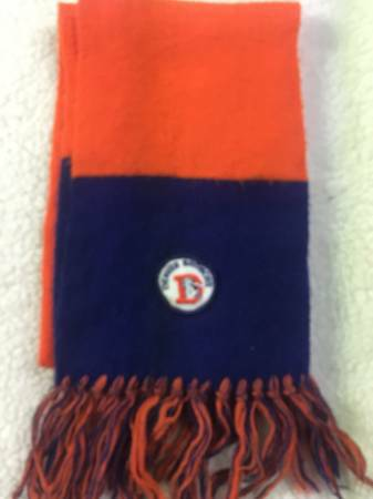 Photo Denver Broncos 80s scarf - $25