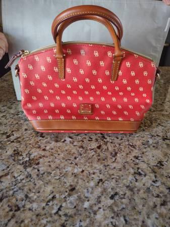 Photo Dooney and Bourke bag - $90 (Berthoud)