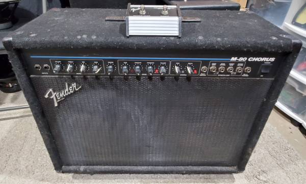 Photo Fender M-80 Chorus 212 - $80 (NW Fort Collins)