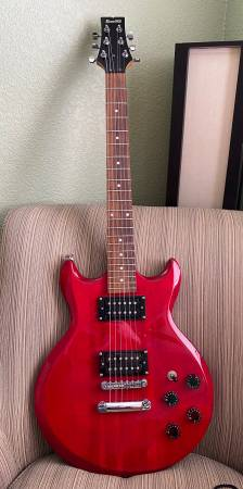 Photo Ibanez GIO GAX70 Electric Guitar - $150 (Lafayette)