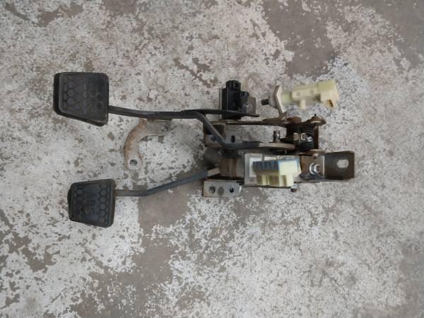 Photo LS1 camaro firebird clutch and brake pedals - $50 (Loveland)
