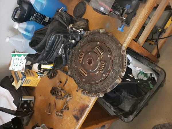 Photo Nv5600 clutch and flywheel Cummins - $100