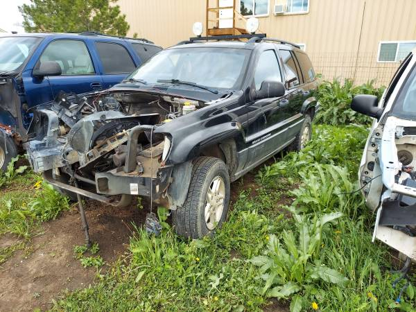 Photo Parting out only 2004 Jeep Grand Cherokee - $1 (Berthoud)