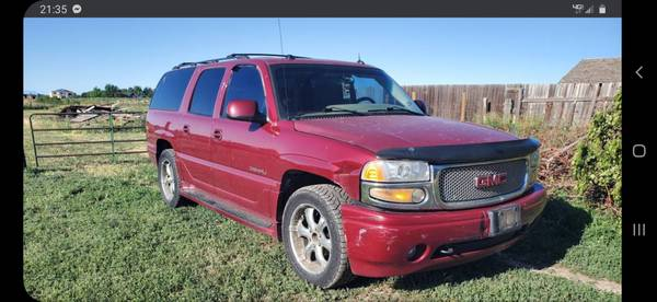 Photo Parting out only 2005 GMC Denali - $1 (Berthoud)