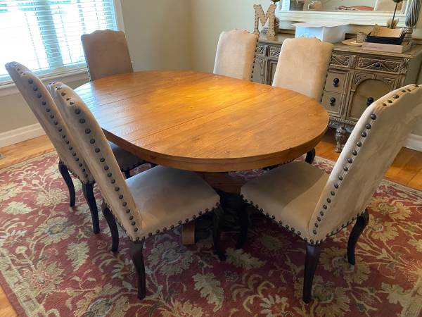 Photo Pottery Barn Pedestal Dining Table - $900 (Greeley)