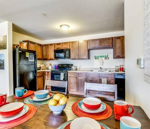 Room for rent. The Grove near CSU (Fort Collins) | Short ...