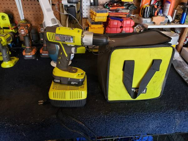 Photo Ryobi 18v Drill and Battery Charger - $45 (Waverly)