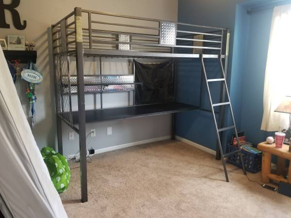 Photo STEEL TWIN LOFT BED WITH DESK - $100 (FORT COLLINS)