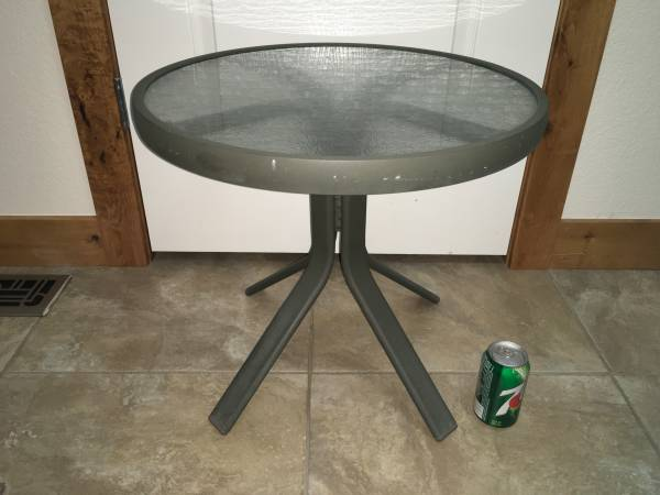Photo Small Round Glass Top Patio Table - $25 (Johnstown)
