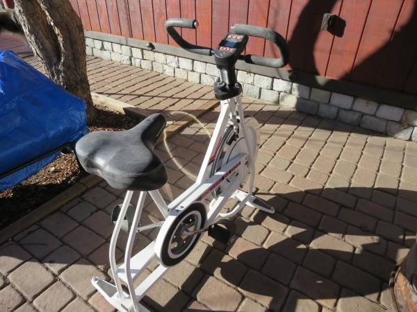 Photo Stationary Exercise Bike - $40 (Bellvue)