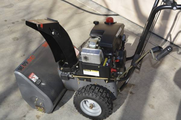 Photo Two stage Snowblower, 6HP, 26quot Cut, Electric Start, Perfect Condition - $325 (Fort Collins)