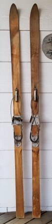 Photo Vintage Antique Wooden Wood Snow Skis with SUWE Metal Bindings - $80 (North Fort CollinsLa Porte)