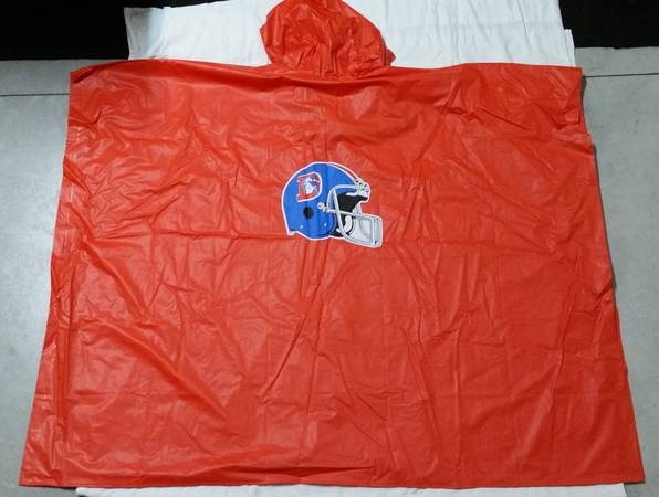 Photo Vintage NewOld Stock NFL Football Denver Broncos Vinyl Rain Poncho - $20 (Loveland)