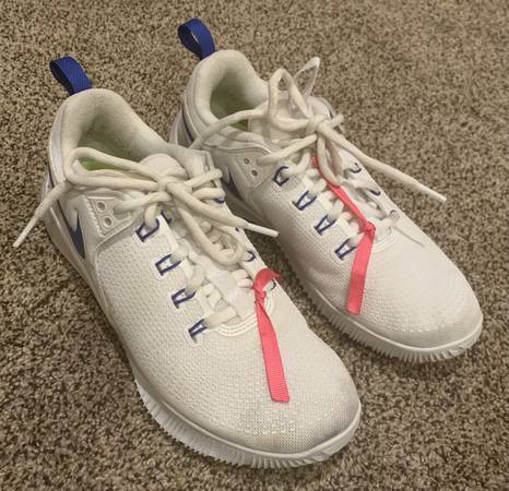 Photo Volleyball Shoes Womens- size 7.5 - $15 (Greeley)