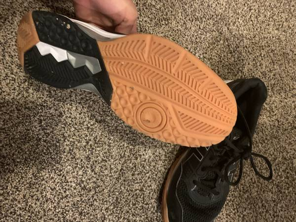 Photo Womens Volleyball Shoes - $20 (greeley)