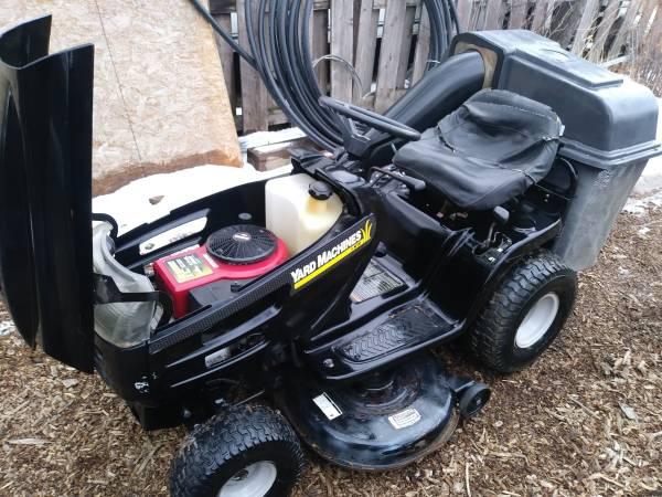 Photo Yard machines riding mower - $650 (Loveland)