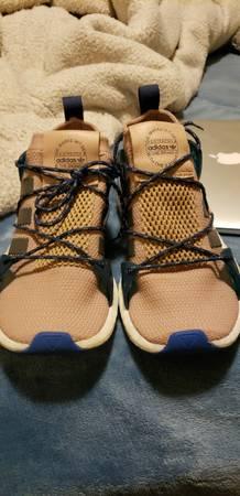 Photo adidas Womens Arkyn Casual Sneakers sz 8.5 - $25 (severance)