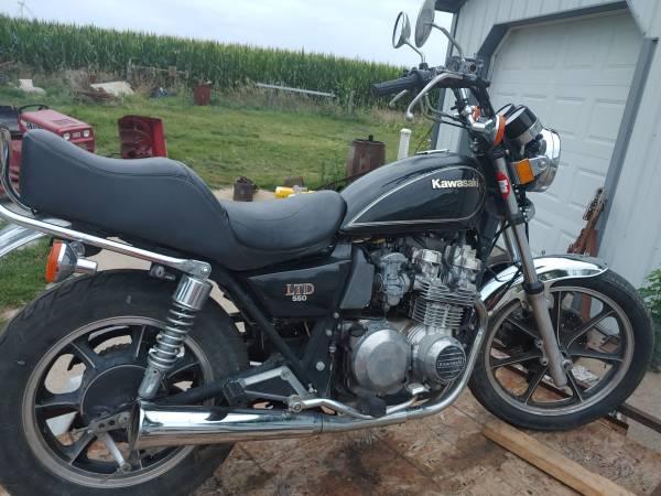 Photo 1983 Kawasaki LTD 550  Title - $675 (Stuart Iowa)