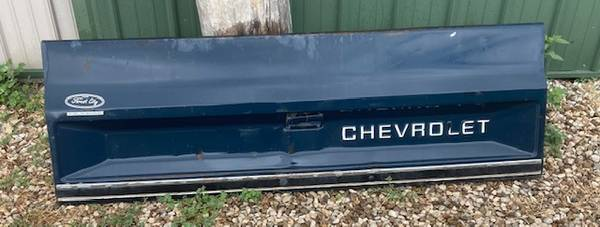 Photo 1987 Chevy Sq. Body Pickup Tailgate - $100 (Webster City)