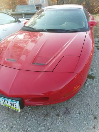 Photo 1997 Pontiac Firebird LT1 automatic - $5,000 (Des Moines)