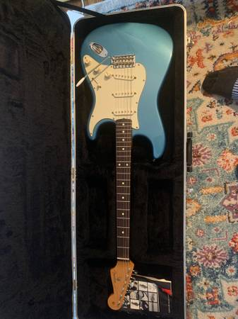 Photo 2000 - Fender Stratocaster - MIM Mexican Made - Placid Blue - $500 (Sherman Hill)