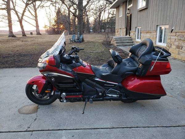 Photo 2015 Honda Goldwing 1800 REDUCED - $14,200 (Saint Peter)