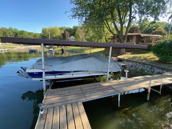 Photo Boat dock - $950 (Holiday Lake)