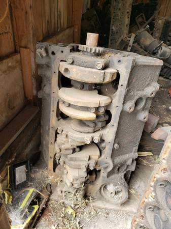 Photo Chevy 350 4 Bolt Block - $120 (Clarion)