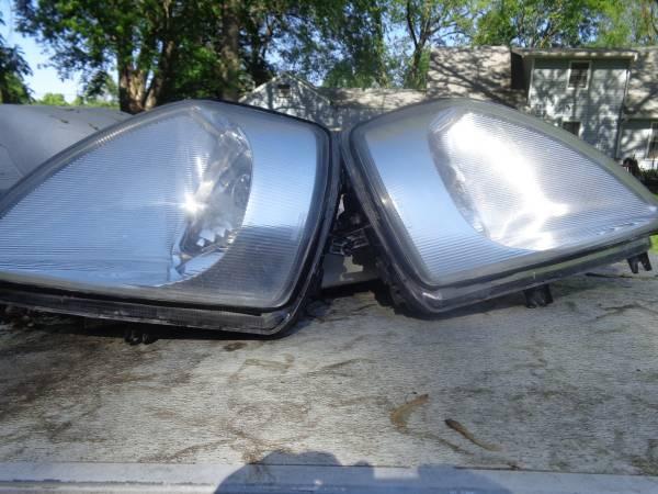Photo Clear Headlights 2000-2002 Mitsubishi Eclipse - $35 (Des Moines)